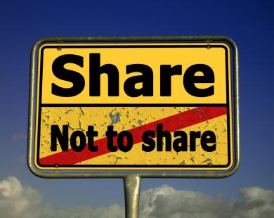 Share or not to share