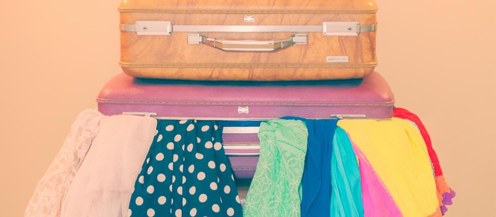 suitcases by FulgentKlutz